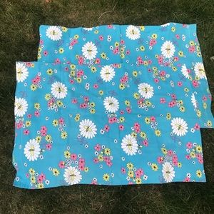 Vintage pair of flower power daisy pillow cases